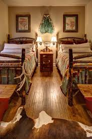 Rustic Themed Bedroom - best 25 lodge style decorating ideas on pinterest cabin paint