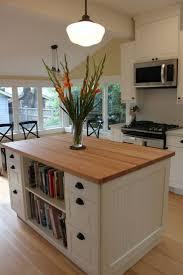 moveable kitchen island kitchen best 25 portable kitchen island ideas on pinterest movable
