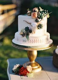 picture of black white and purple wedding cake with purple