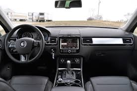 volkswagen touareg interior review u2013 2011 volkswagen touareg vr6 sport made for little suzy u0027s