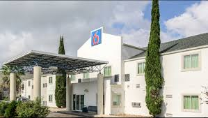 motel 6 new braunfels hotel in new braunfels tx 49 motel6 com