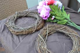 easy springtime wreath from scratch with maria provenzano