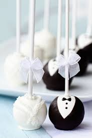 wedding cake og and groom wedding cake pops these are so adorable mørk
