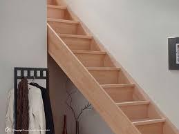 geschlossene treppen holztreppe savoy hier in großer auswahl kaufen treppen intercon