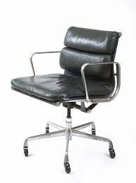 Herman Miller Padded Blue Vintage Chair Vintage Eames Soft Pad Management Chair For Herman Miller Dark
