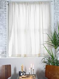 How To Make A Ruffled Valance How To Hang Curtain Rods How Tos Diy