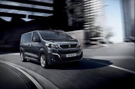 компания Peugeot представила минивэн Traveller
