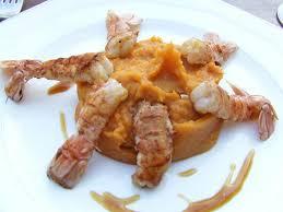 cuisiner les langoustines langoustines justes saisies purée de patate douce caramel au
