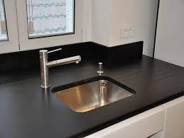plan de travail cuisine quartz ou granit stockphotos plan de travail quartz ou granit plan de travail