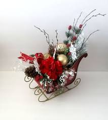 sleigh centerpiece floral by cabincovecreations