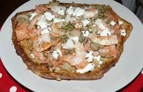 cuisiner saumon fumé pizza au saumon fumé crevettes chignon et carré frais recette