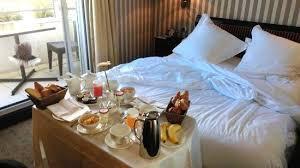 chambre et petit dejeuner petit dejeuner en chambre photo de hôtel barrière le majestic