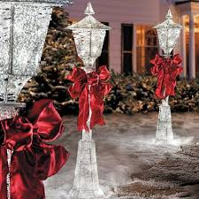 Lighted Christmas Outdoor Decorations by Outdoor Christmas Decor Ideas Home Designing