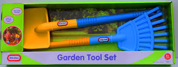 amazon com little tikes garden tools rake and shovel set toys