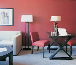 wandgestaltung rot farbgestaltung flur wandgestaltung wanddesign pudrig rot farben