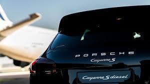 Porsche Cayenne Jacking Mode - porsche cayenne s diesel pulls airbus a380 motor1 com photos