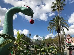 christmas takes over disney u0027s hollywood studios laughingplace com
