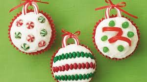 easy ornament cupcakes happy holidays