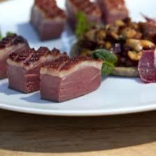 cuisiner magret de canard au four recette magret de canard au four sauce aux chignons