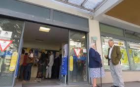 la poste bureau de poste argenteuil jusqu à une heure de queue à la poste du val sud le