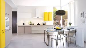cuisine taupe quelle couleur pour les murs cuisine taupe quelle couleur pour les murs avec le taupe une couleur