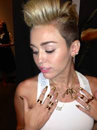 best name necklace miley cyrus wearing bestnamenecklace s 818 name