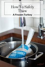 how to season turkey for thanksgiving best 20 turkey defrost times ideas on pinterest how long cook