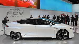 honda car room honda gives itself room to delay fcv hydrogen car until june 2017