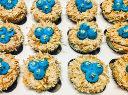 custom cupcakes custom cupcakes icing on the lake