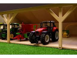 tracteur en bois kids globe farmer hangar en bois pour tracteurs grand modèle 45
