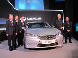 lexus sedan malaysia lexus es officially launched lowyat net cars