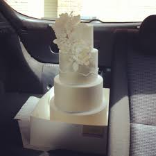 wedding cake delivery 11 tips for stress free cake deliveries