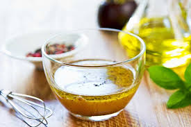 5 apple cider vinegar salad dressings to spice up your diet