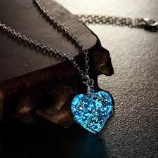 crystal heart necklace images Crystal heart glow in the dark necklace shopvalley jpg