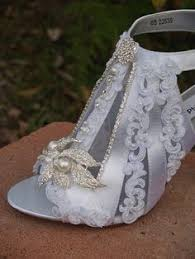 chagne bridesmaid shoes maroon or change to grey shoe idea shoes gray