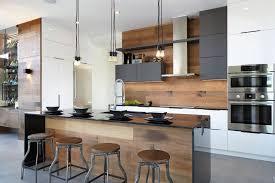 cuisine contemporaine blanche et bois awesome carrelage gris mur cuisine gallery design trends moderne en