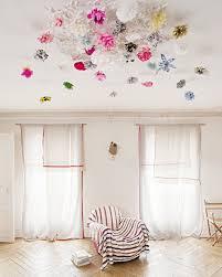 décoration plafond chambre bébé quand le plafond fait partie intégrante de la déco place fleur et