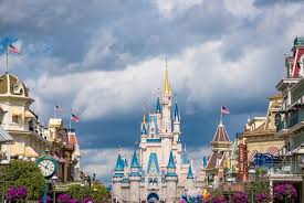 How Long Does Disney Keep Christmas Decorations Up - when to visit disney world in 2017 disney tourist blog