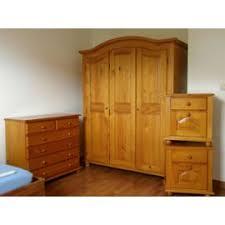 chambre en pin exemple armoire de chambre en pin massif