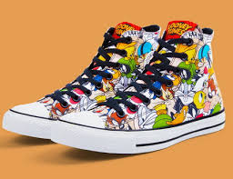 Sepatu Converse Pic ini dia koleksi terbaru sepatu converse yang bermotif kartun looney