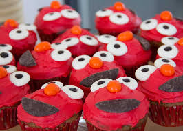 elmo cupcakes hummingbird cake with cheese frosting cooking for kiwi