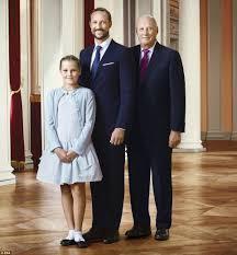 norwegian king harald queen sonja crown prince haakon and