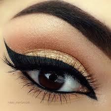 Eye Liner cat eye liner in black