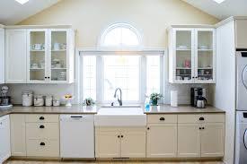 faiences cuisine cuisine faiences cuisine avec jaune couleur faiences cuisine