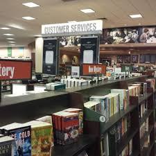 Barnes And Noble Chicago Il Barnes U0026 Noble 11 Reviews Coffee U0026 Tea 5380 Northwest Hwy