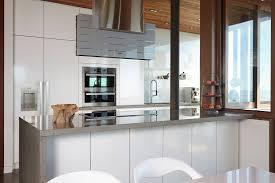 configuration cuisine armoires de cuisine classiques merisier et mdf laqué québec