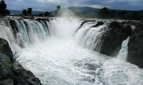 hogenakkal waterfalls best places to visit around bangalore