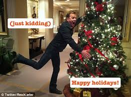kiefer sutherland pokes at infamous tree attack in