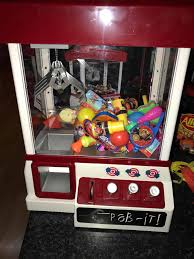 carnival style arcade claw candy grabber prize machine crazy sales