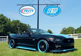 ford mustang modified petty u0027s garage releases modified 2016 ford mustang gt king edition